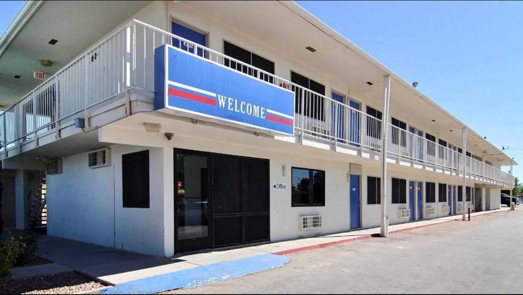 Motel 6 Carlsbad NM Invests for Its Guests by Updating Its Satellite for Motel TV Programming System - Installed by Sun Comm Technologies 505-424-7223
